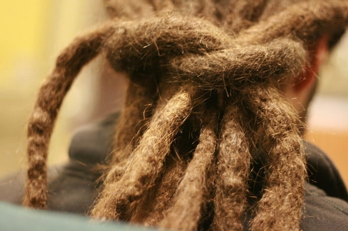 dreadlocks that have been knotted