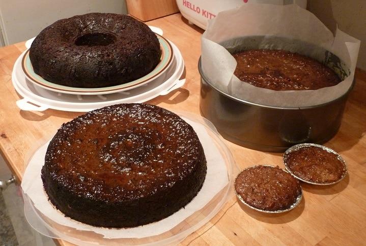 five rum cakes