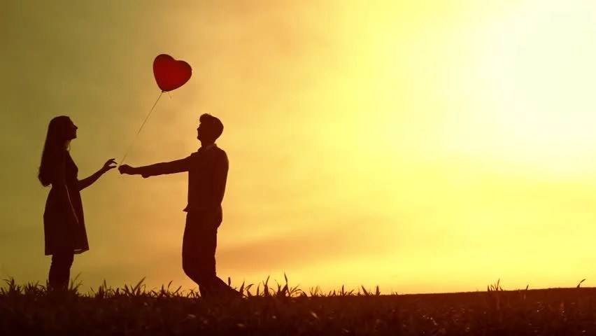 Sad Lonely Crying Girl Hd Wallpapers Cute Young Couple Heart Balloon Romantic Love Concept