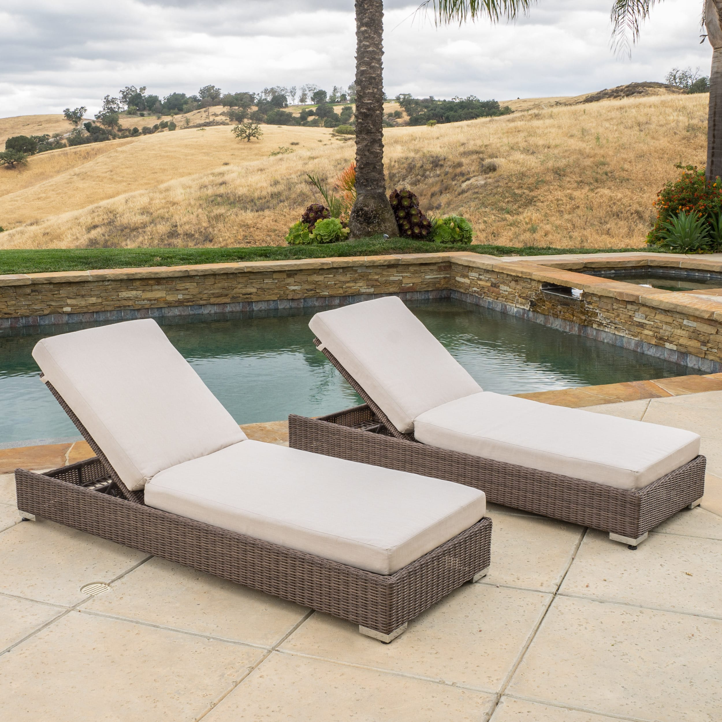 Chaise Barcelona Barcelona Outdoor Wicker Chaise Lounge With Sunbrella Cushions Set Of 2 By Christopher Knight Home