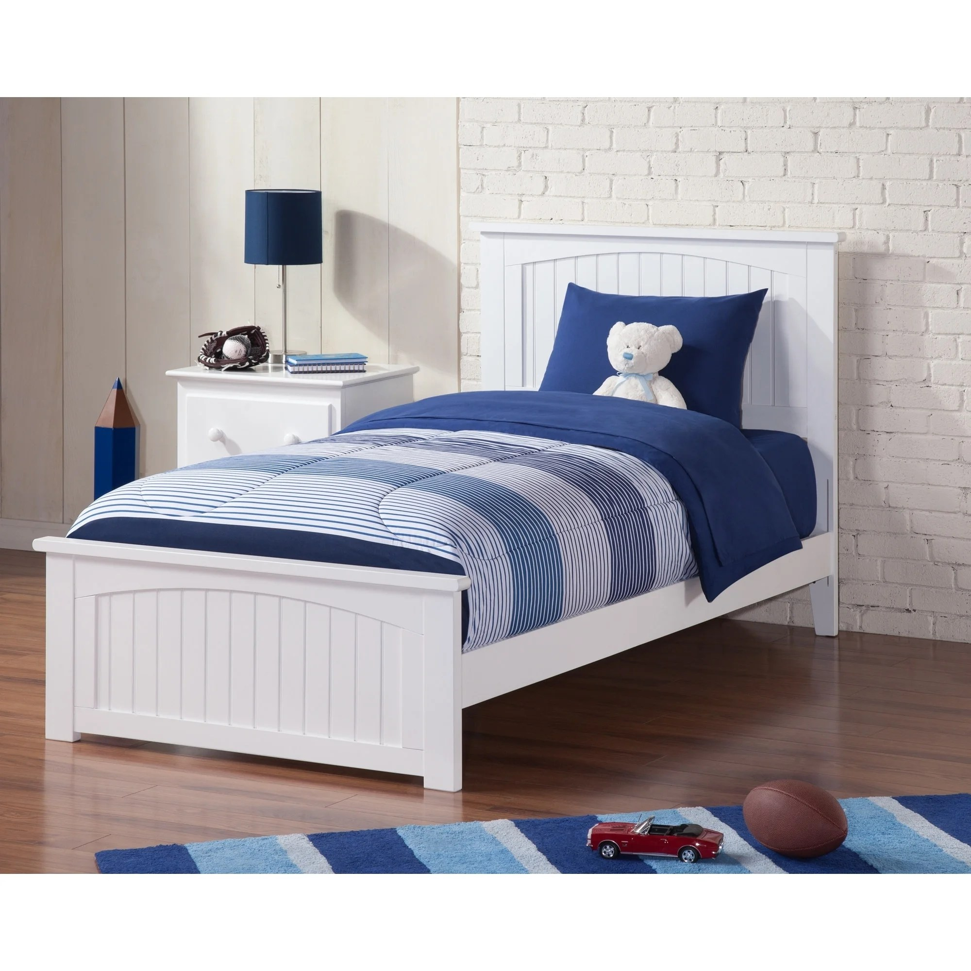 Classic Bedroom Escape Nantucket Twin Xl Bed With Matching Foot Board In White