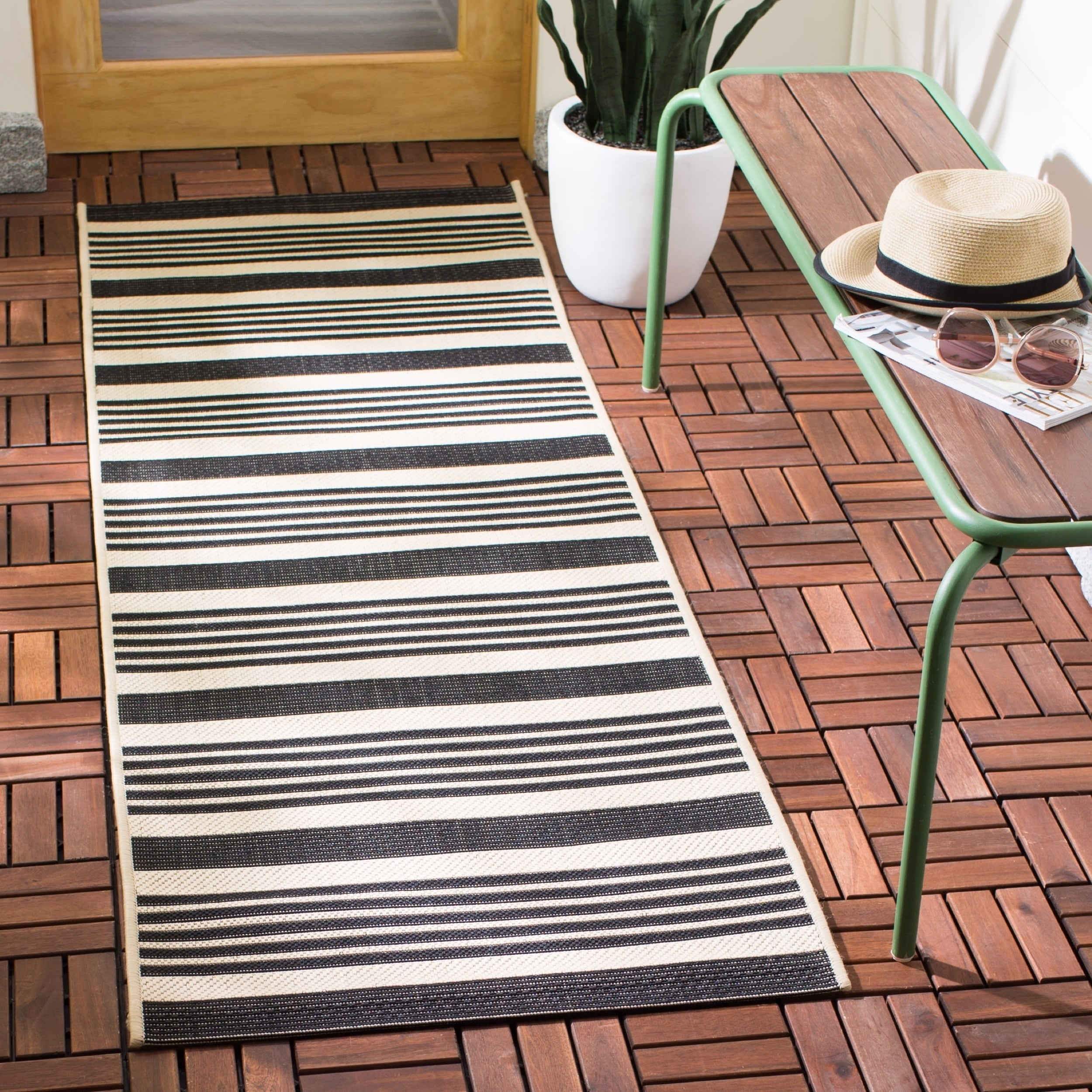Safavieh Courtyard Safavieh Courtyard Stripe Black Bone Indoor Outdoor Rug 2 3