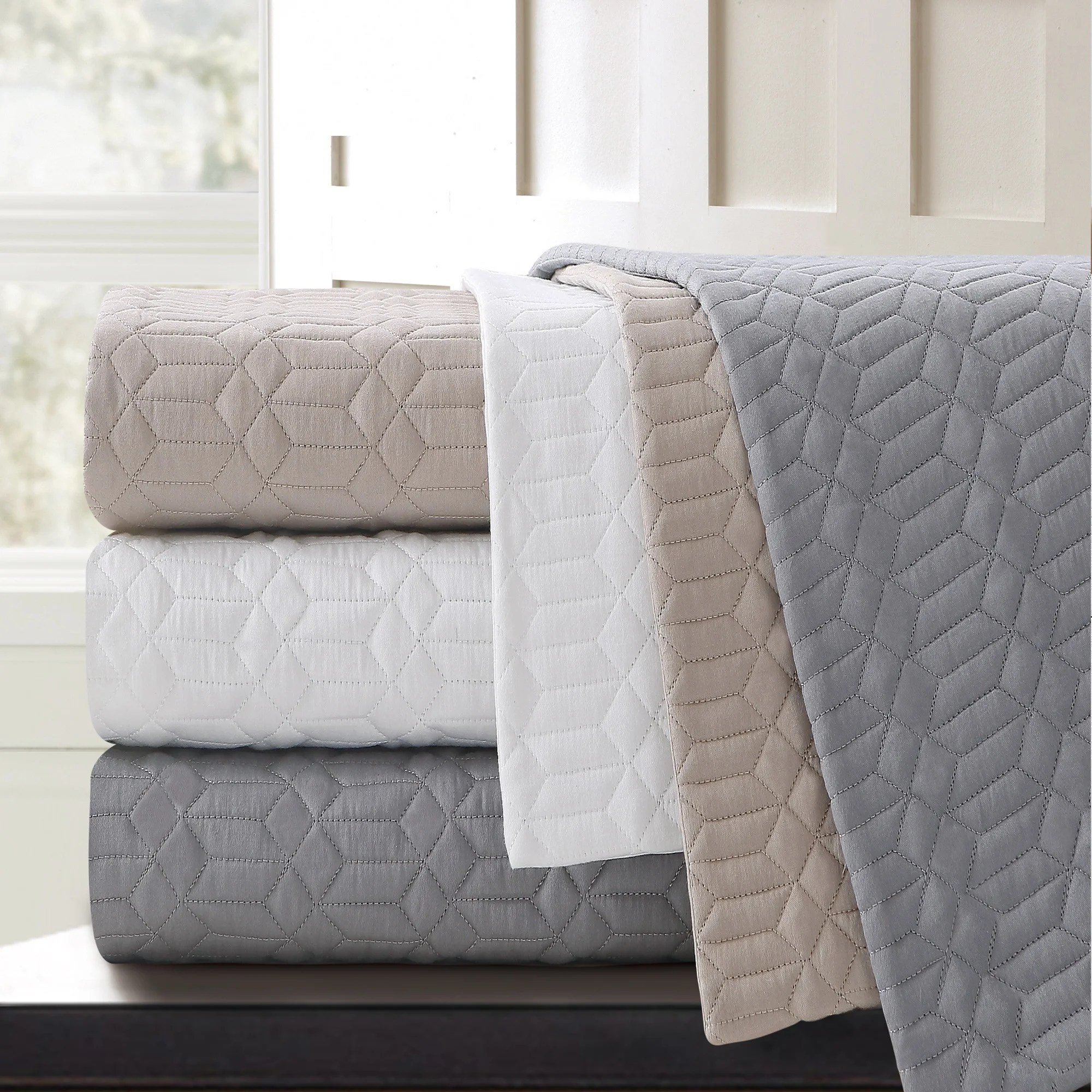 Single Coverlet Echelon Home Echelon Laguna Quilted Cotton Coverlet
