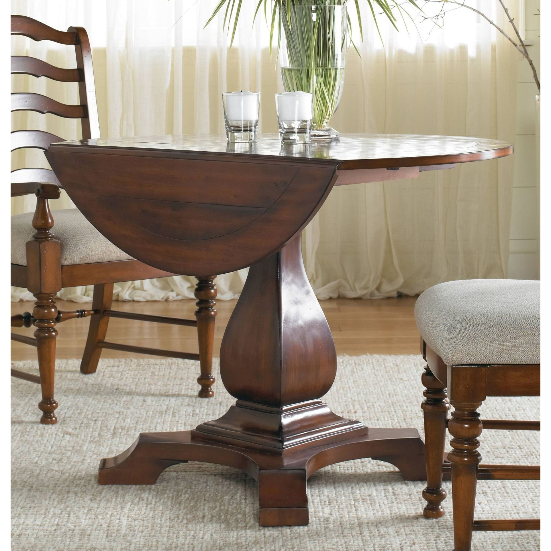 Round Timber Dining Table Hooker Furniture 366 75 218 42
