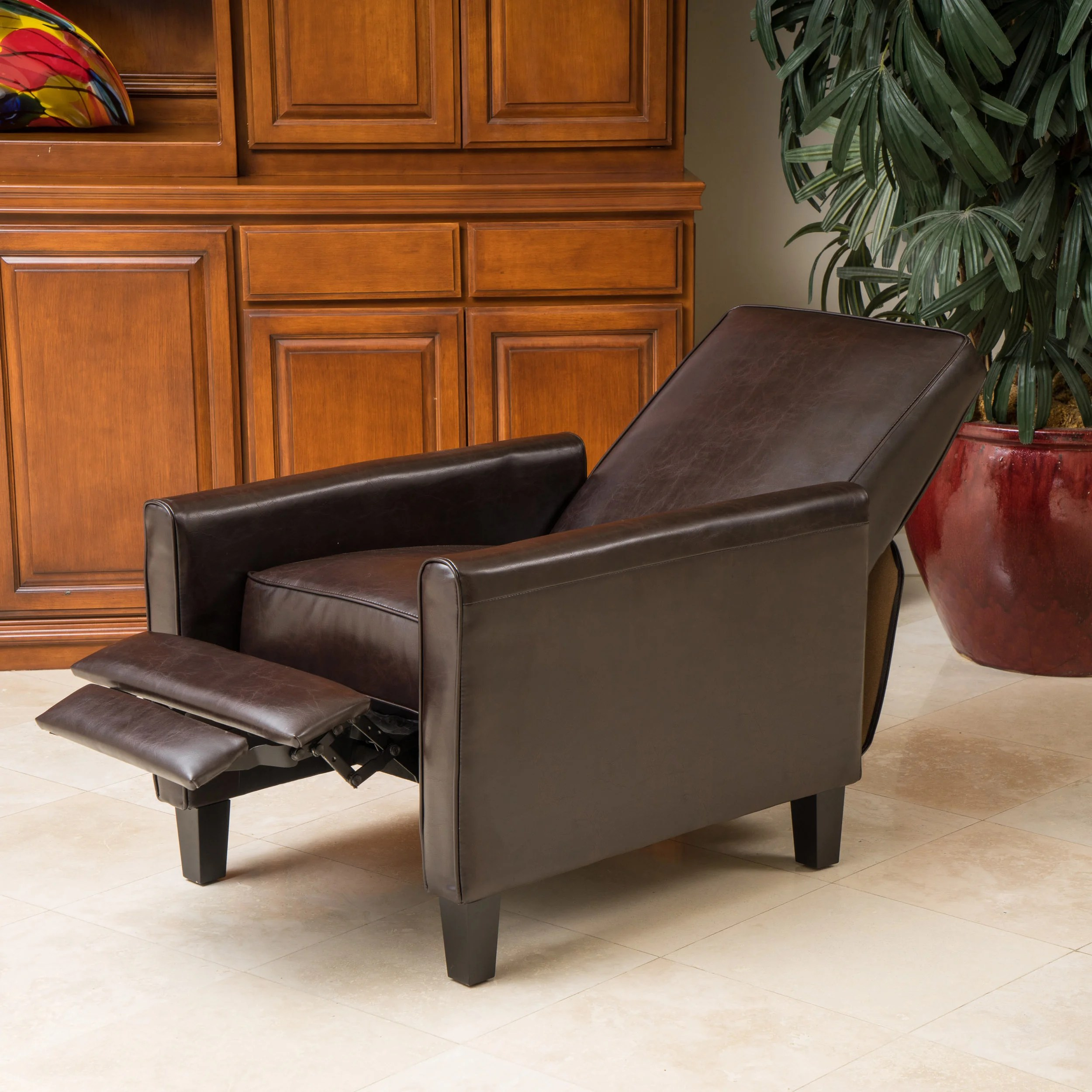 Comfortable Den Furniture Brand New Soft Leather Recliner Club Chair Home