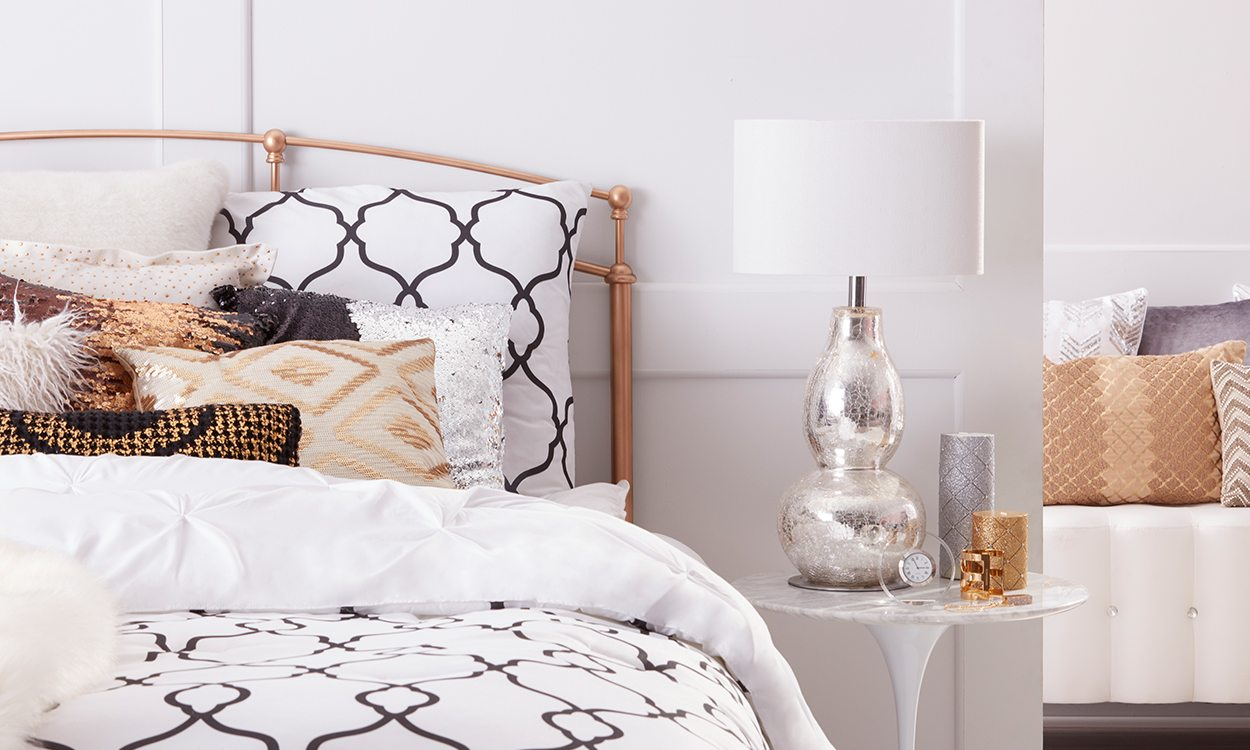 Bed Table Lamps How To Choose Lamps For A Bedroom Overstock