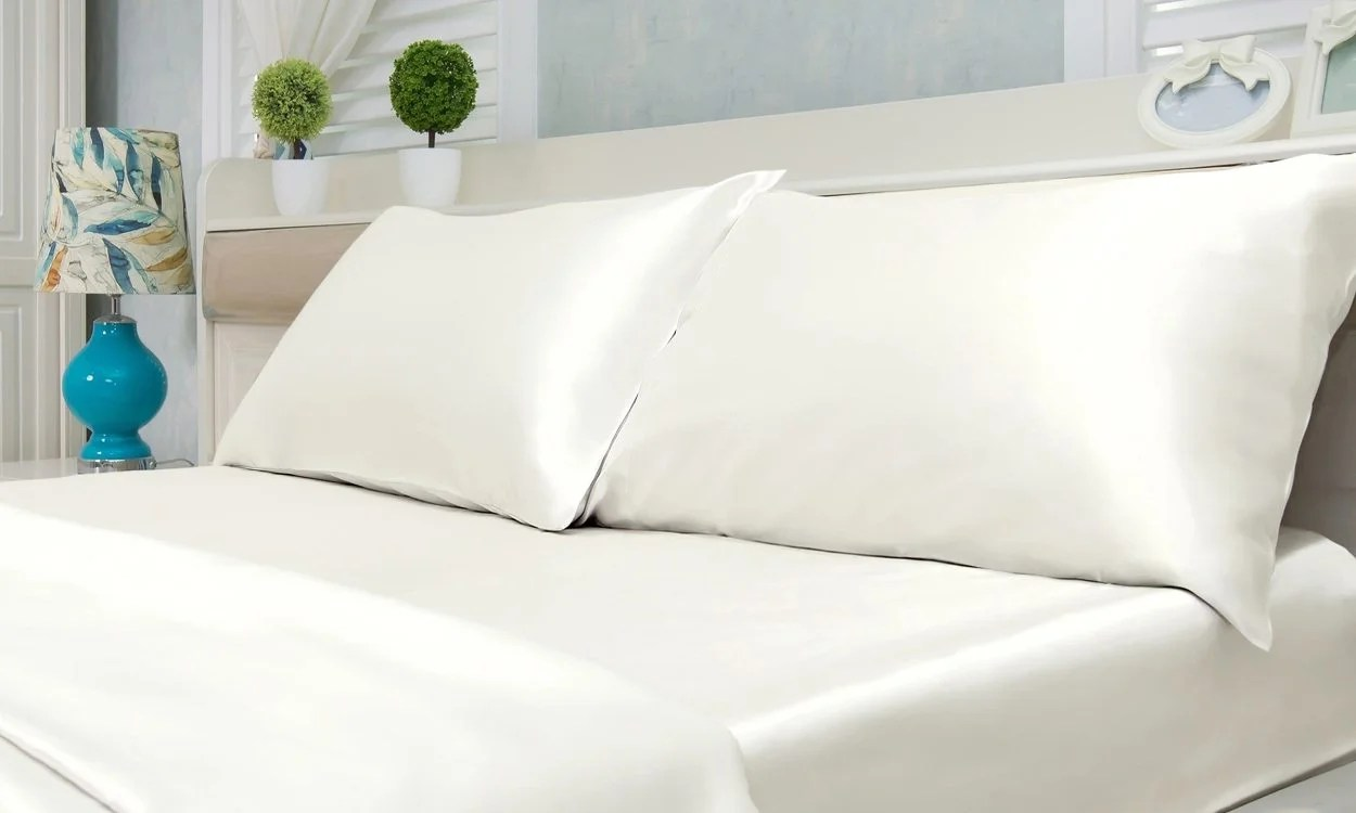 Satin Pillowcases With Zipper How To Use Satin Pillowcases Overstock Tips Ideas