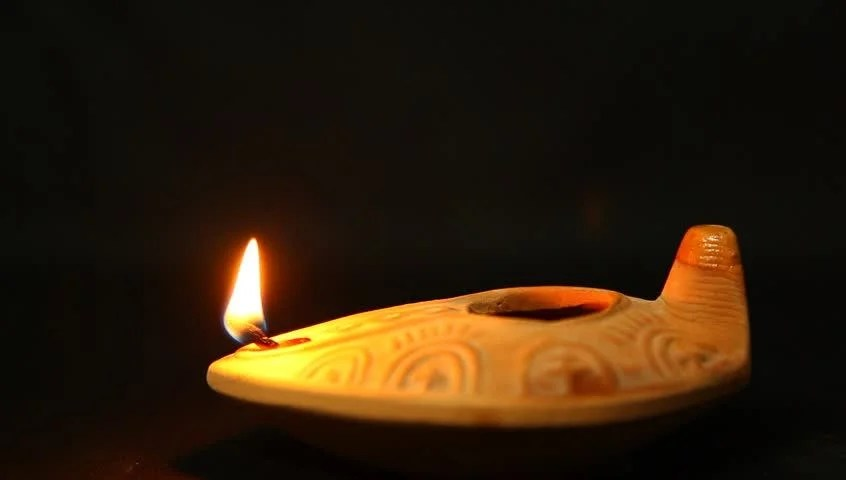 Lanterns Wallpaper Hd Extinguishing Olive Oil Clay Ancient Lantern Lamp Flame