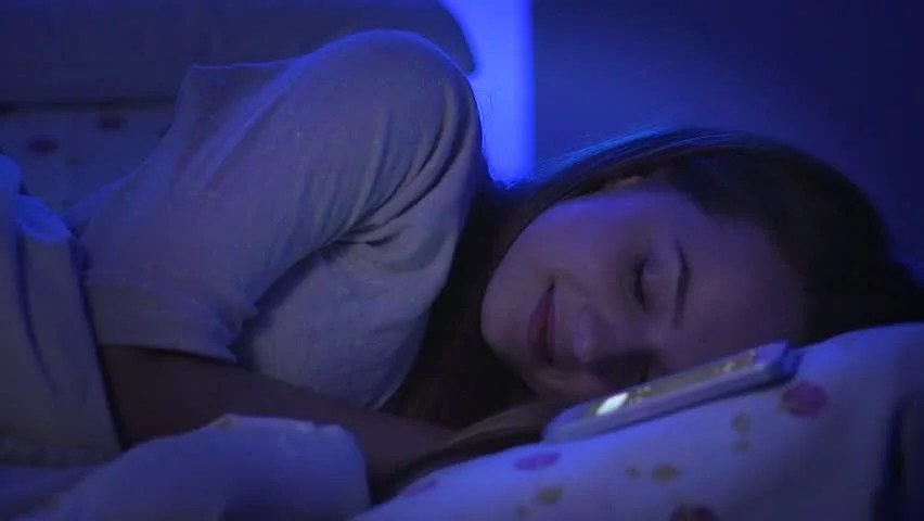 Smart College Girl Wallpaper Beauty Girl Sleeping In Her Bed At Night Dark Bedroom