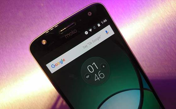 Moto Z  Moto Z Play quick review Modular phones that are not a
