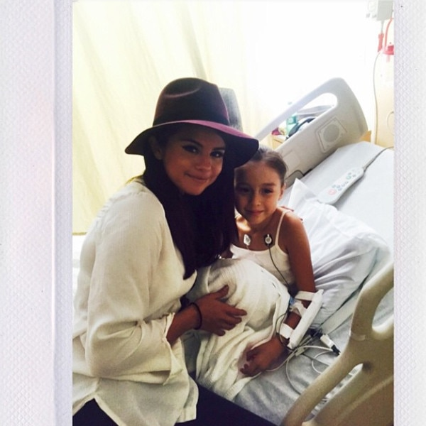 Selena Gomez Surprises Cancer Patients at Children's Hospital Los Angeles—See the Pics | E! News