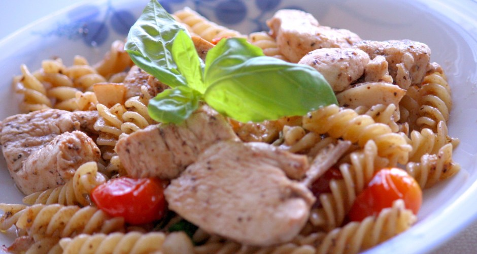 Rosemary chicken and basil fusilli