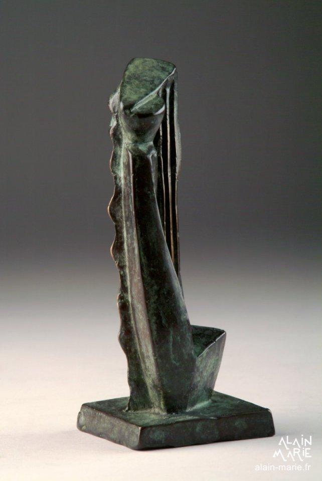 Gradiva bronze 1