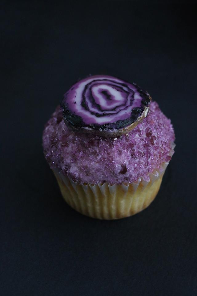 AJM Gemstone Cupcakes_Agate Slice