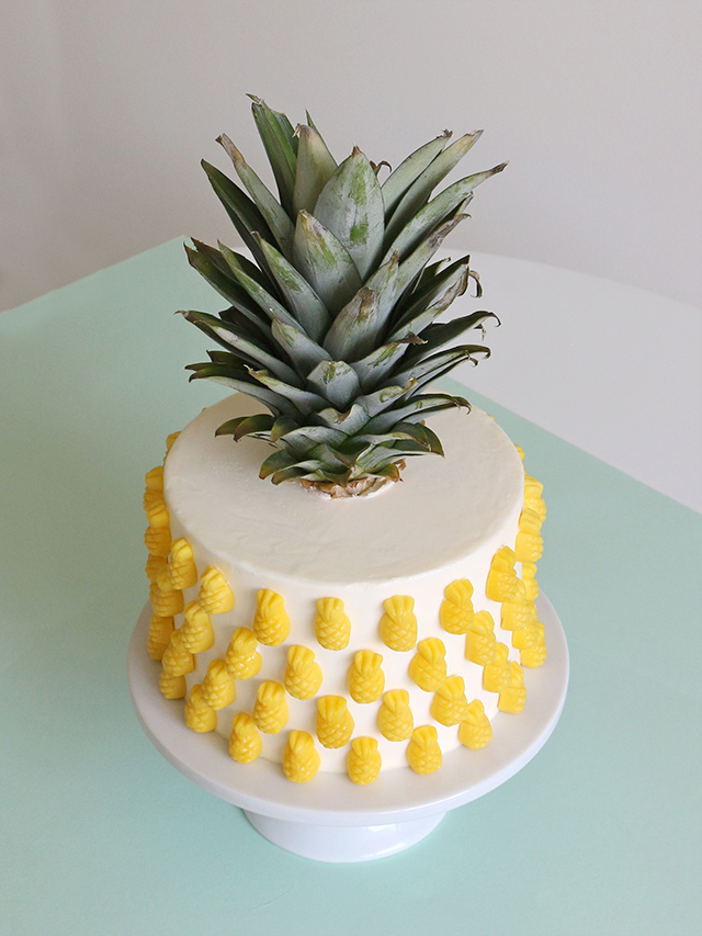 Easy Pineapple Cake Decoration