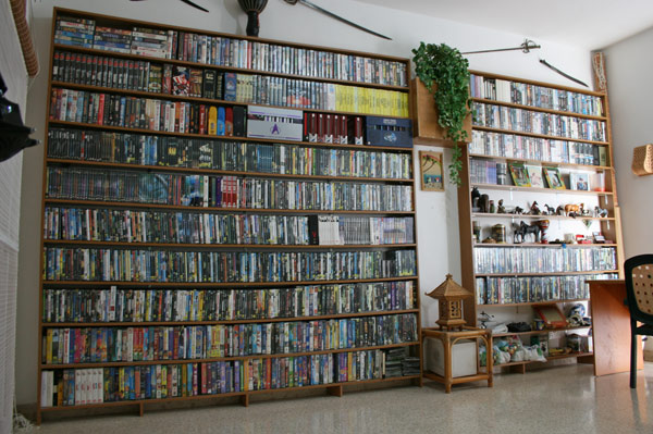 Filmsammlung How Big Is Your Movie Collection? | Sherdog Forums | Ufc