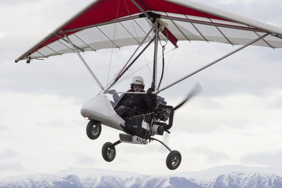 Weightshift trike in flight