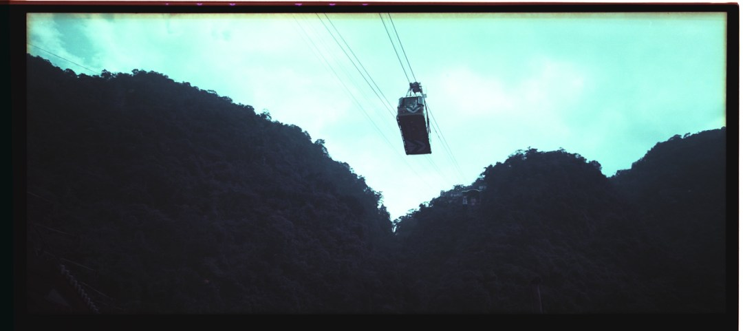 Cable cars - Lomochrome Purple XR 100-400 shot at ISO400