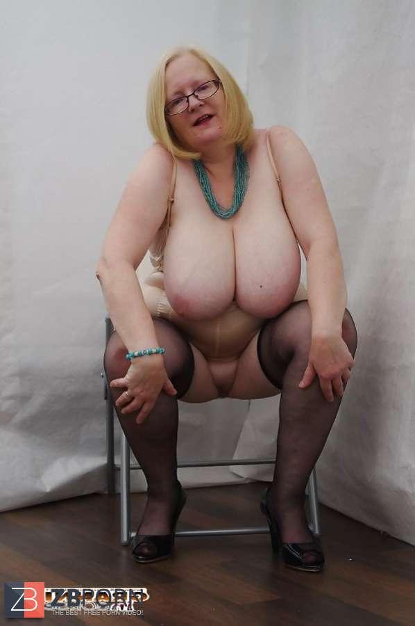 mature granny girdle upskirt