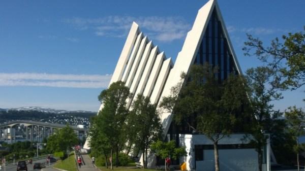 Ishavskatedralen bagfra
