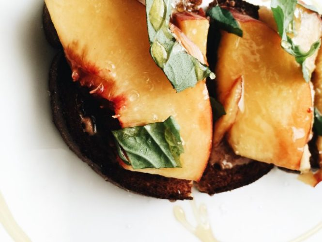 Almond peach crostini