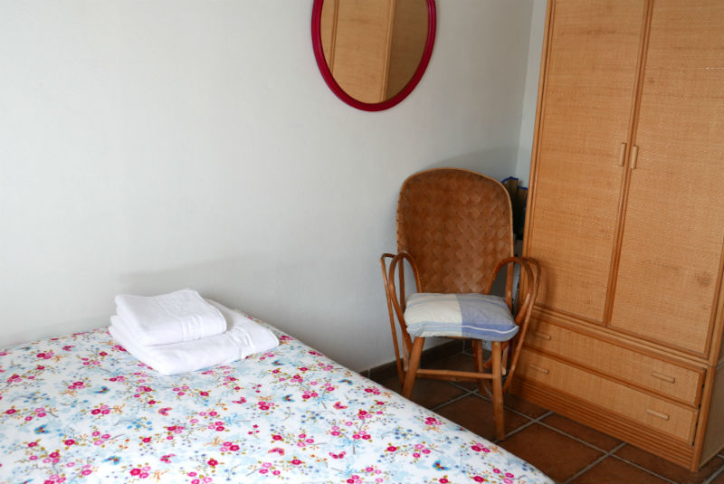 Detalle dormitorio casa rural