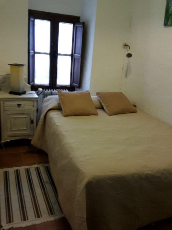 Dormitorio individual Cueva Solea Casa Rural