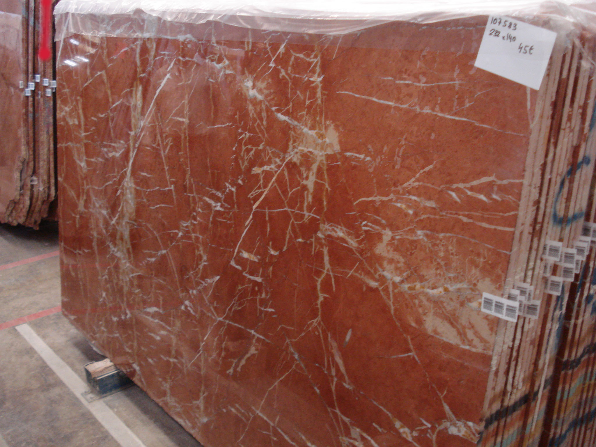 Granite With Veins Rojo Alicante Classic Marble - Product Description