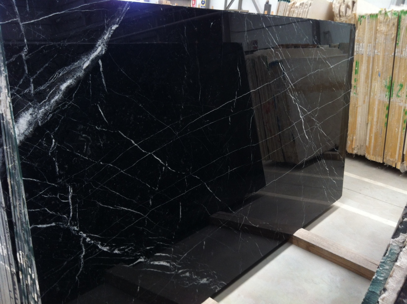 Granite With Veins Negro Marquina Marble - Nero Markina International
