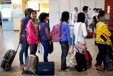Domestic workers head to Malaysia