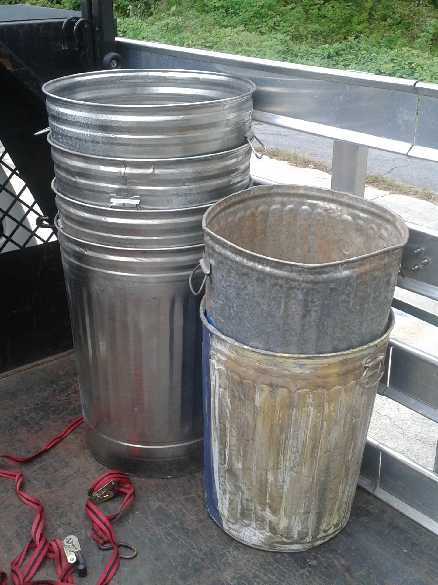 Small Metal Trash Cans With Lids All About Props Trash Cans