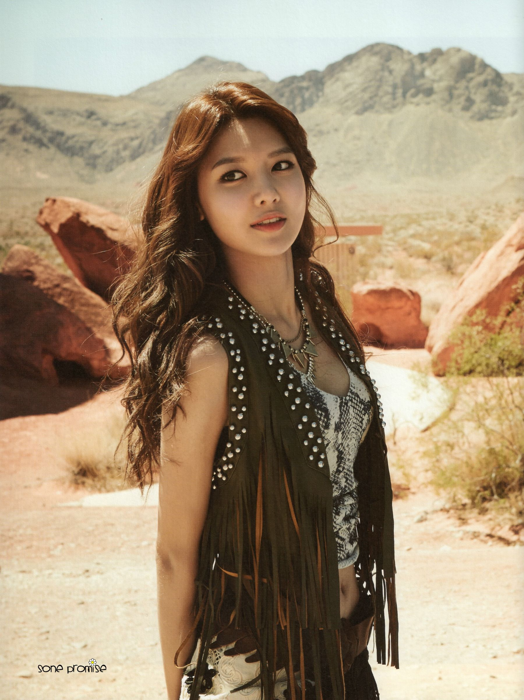 Single Girl Hd Wallpaper Scan Sooyoung At Girls Generation In La Photobook All
