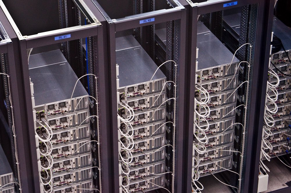 Server speed often the biggest issue - and Microsoft is now a \u0027Cloud