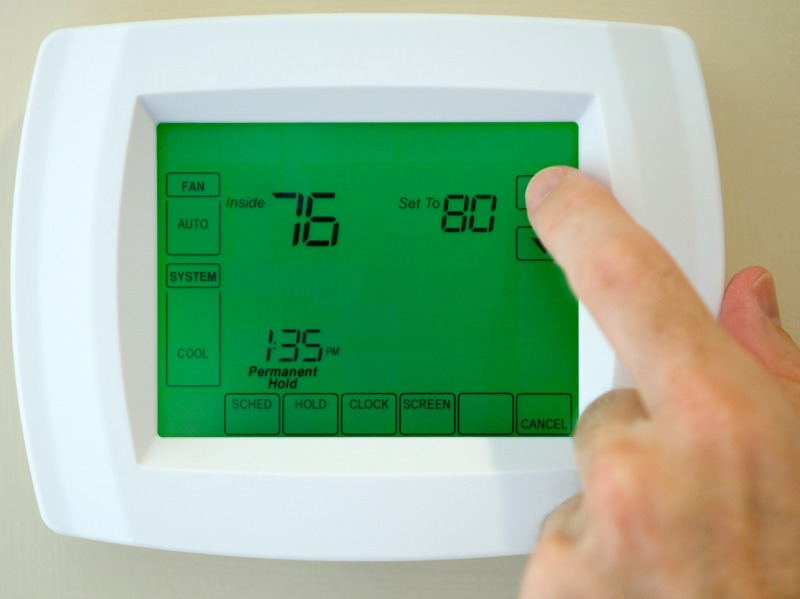 Common Thermostat Problems and How They Impact Cooling
