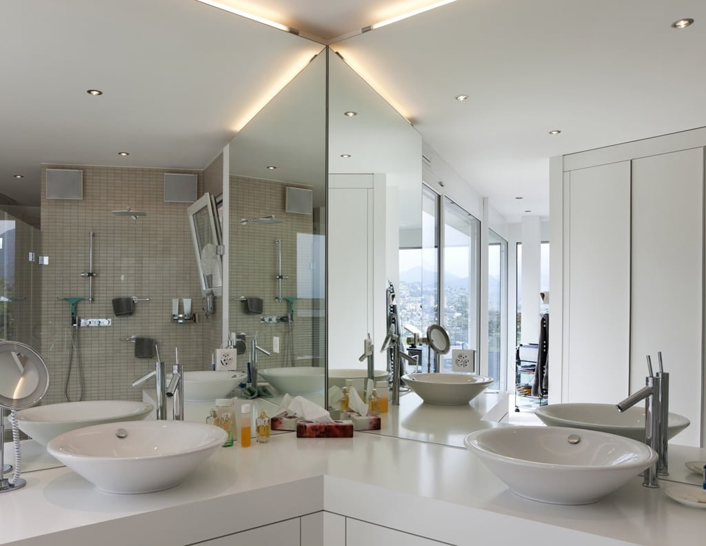 Broken Bathroom Mirror Custom Glass And Mirror Specialists All Class Glass Nj