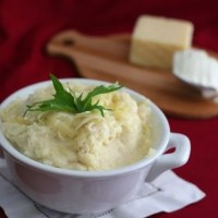 Sour Cream and Cheddar Mashed Cauliflower