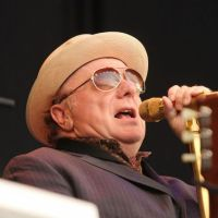 Videos of the day: Van Morrison - Just Like A Woman (Bob Dylan) 3 takes