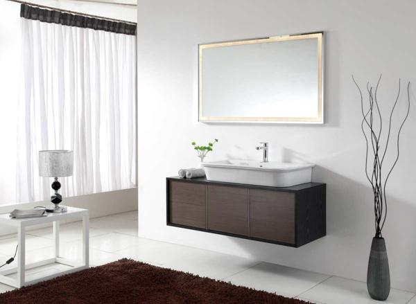 Badezimmer Schwarzer Boden Weiße Wand