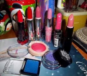 lipstick allergy symptoms