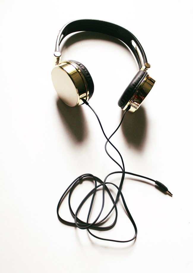 Does anyone else find ear bud headphones annoying? On the one hand they do not take up a lot of room which is a good thing, but on the other hand I don't find that they are super comfortable. Mainly I find they don't stay in my ear but tend to fall out. I think it is because they are too big.