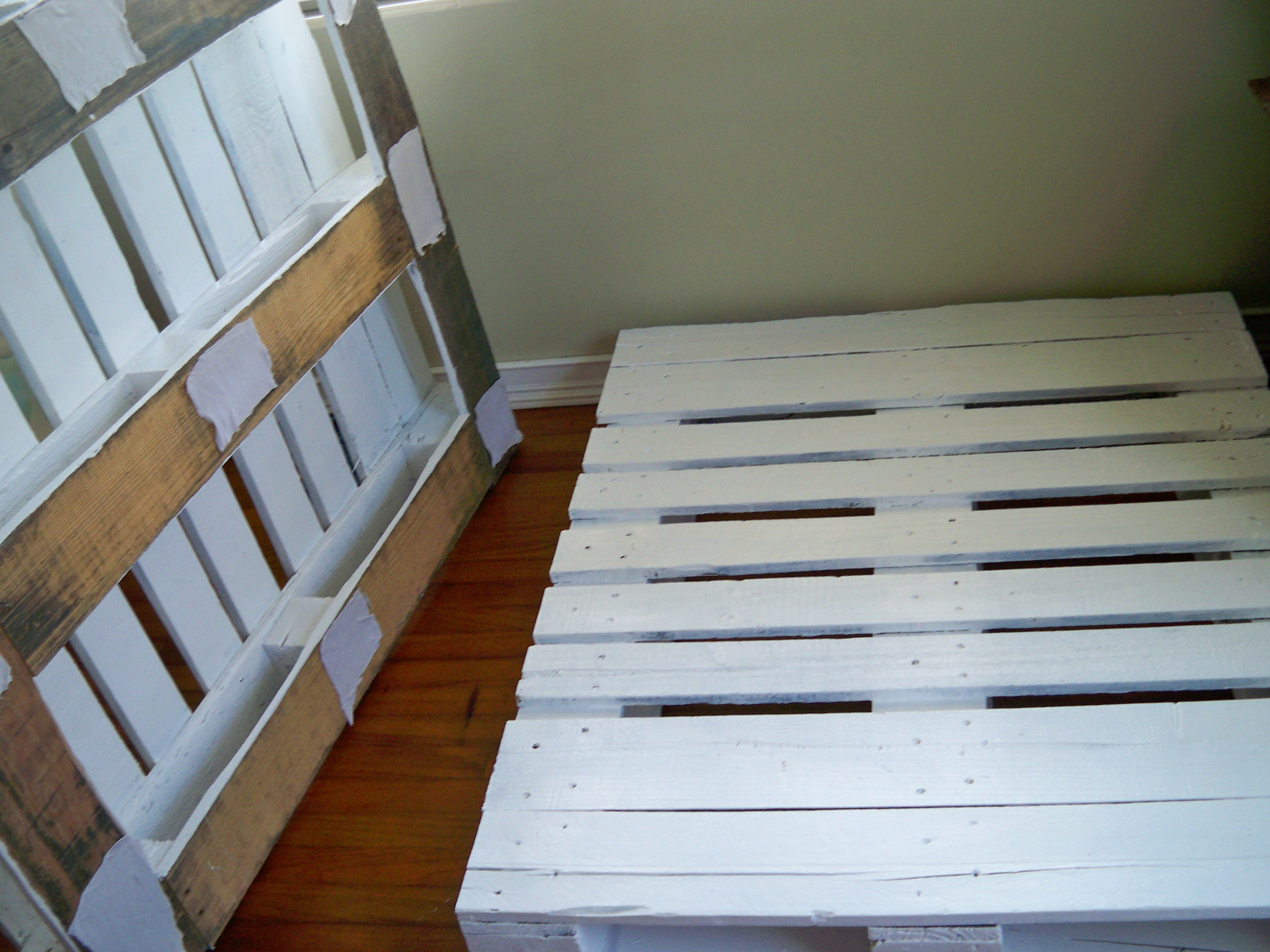 Diy Platform Bed Base Diy Pallet Bed Allison 39s Illustrated Life
