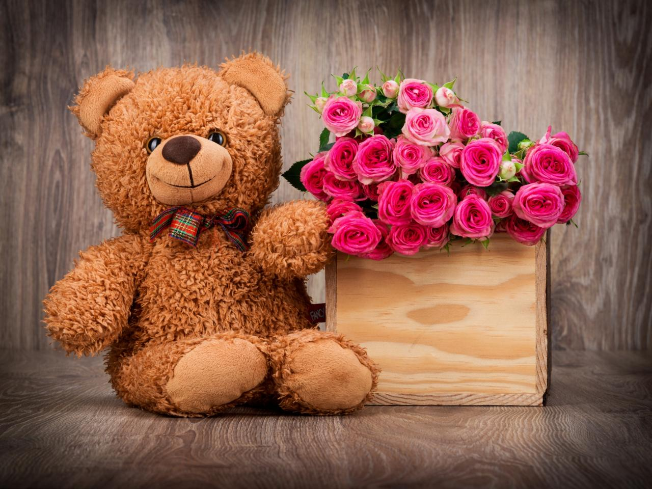 Cute Teddy Bear Wallpaper With Pink Roses In Box Hd