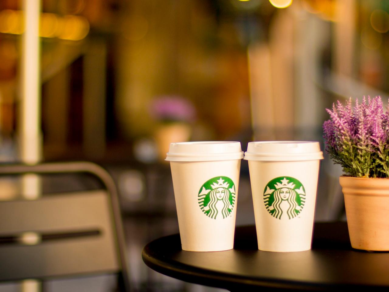 Cute Hd Wallpapers 1080p Widescreen Starbucks Pictures In Hd With Two Cups On Table Hd
