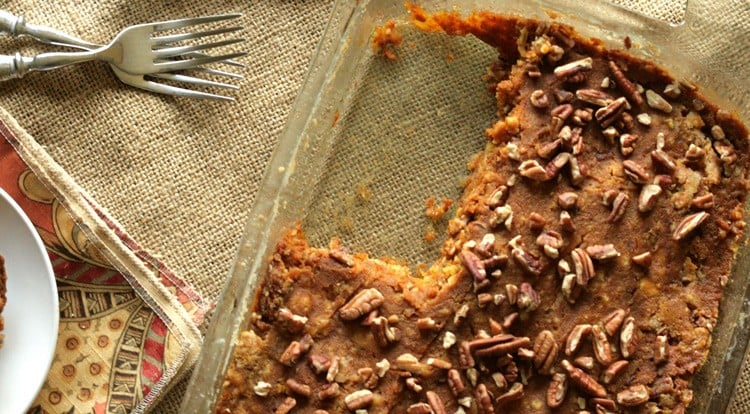 Looking for a pumpkin pie alternative for the holiday? You've got to try this Pumpkin Dump Cake Recipe. It's easy to make and tastes so good! This is one pumpkin dessert recipe you have to try.
