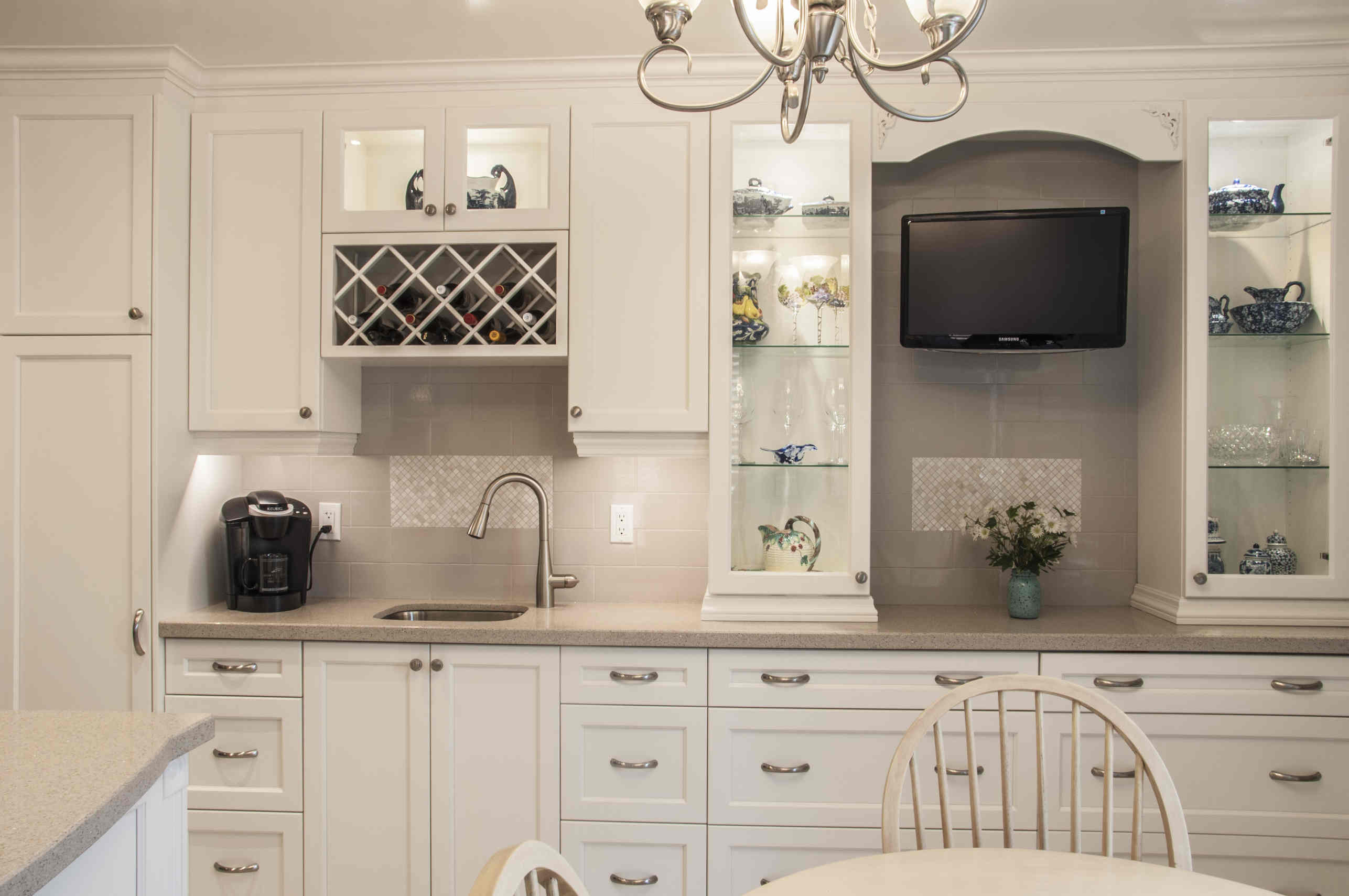 Custom Kitchen Cabinets Mississauga Kitchen Cabinets Flooring And Paint Easy Way To Revamp Kitchen