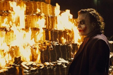 Joker_burning_money