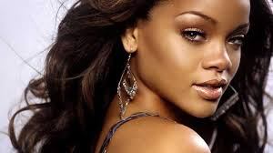 Rihanna : The Most Popular Female Singer in 2014