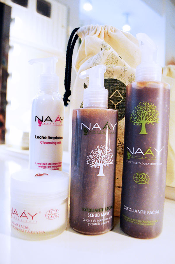 naay-mas