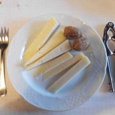queso y nueces