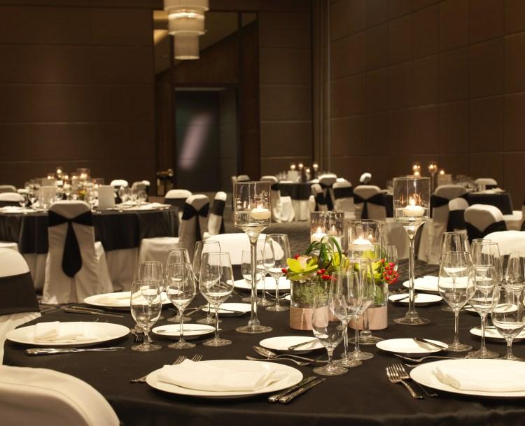 Kempinski Hotel Muscat_Ballroom_Gala Dinner Setup detail